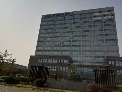 华硕办公楼日立中央空调工程