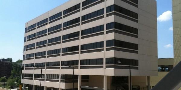 为什么要对办公楼中央空调进行清洗保养?