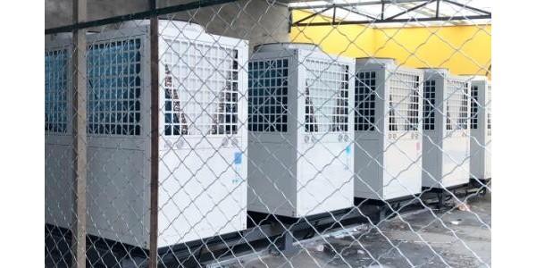 空气能热泵走进学校,为学生带来24小时不间断热水体验