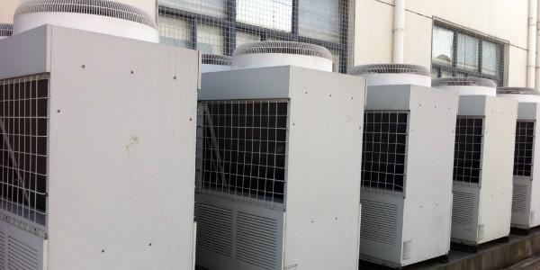 """如何应对校园出现""""天价""""热水?空气能热水器让师生用水更安心!"""